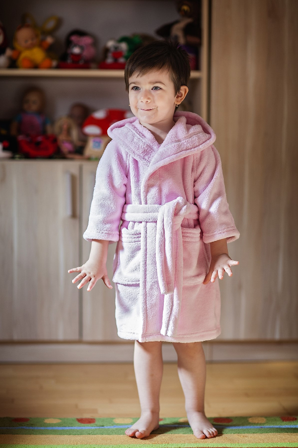 fürdőköntös gyerek